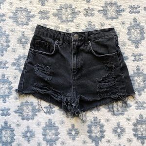 TOPSHOP HIGH WAISTED DISTRESSED BLACK SHORTS